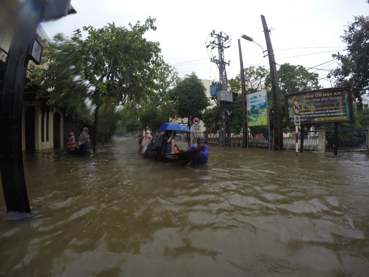 In 80 Stunden durchVietnam